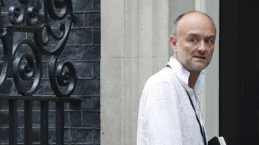 """Dominic Cummings, specjalny doradca Borisa Johnsona i były obrońca kampanii """"Leave"""" przybywa na 10 Downing St."""