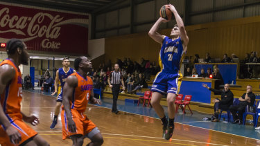 Marshall Nelson has signed with the Illawarra Hawks.