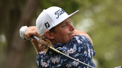Smith on fire with career-low 62 to lead RBC Heritage