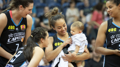 Canberra Capitals family club embraces Leilani Mitchell