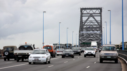 'Just awful': Inbound Story Bridge, Riverside Expressway clogged