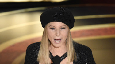 Barbra Streisand has been forced to apologise for controversial statements about Michael Jackson's accusers.