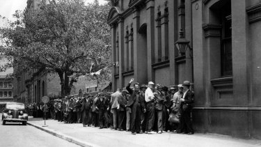 A soup kitchen queue in Sydney during the Depression.