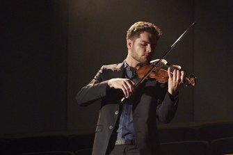 German baroque violinist Jonas Zschenderlein plays Bach for the Australian Brandenburg Orchestra.