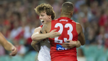 Nick Blakey celebrates with Lance Franklin.