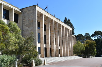 Outgoing WA politicians will get a share of about $2.6 million.