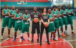 Liz Mills with the Kenya national team.