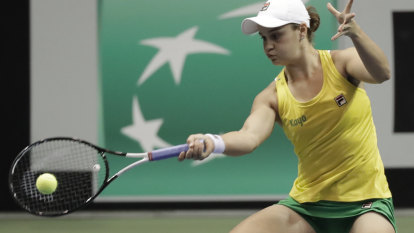 Barty leads Australia into Fed Cup semis