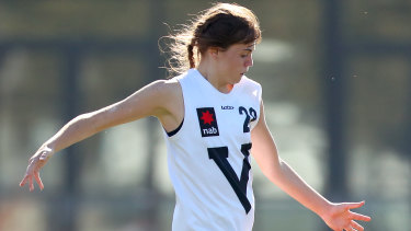 Tara Slender in action for Vic Country.