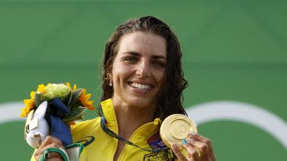 Tokyo Olympics as it happened: Jess Fox wins gold; Titmus, Ledecky make 800m freestyle final; Hockeyroos beat the Kiwis