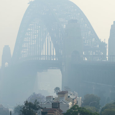 Sydney city shrouded in smoke, November 21.
