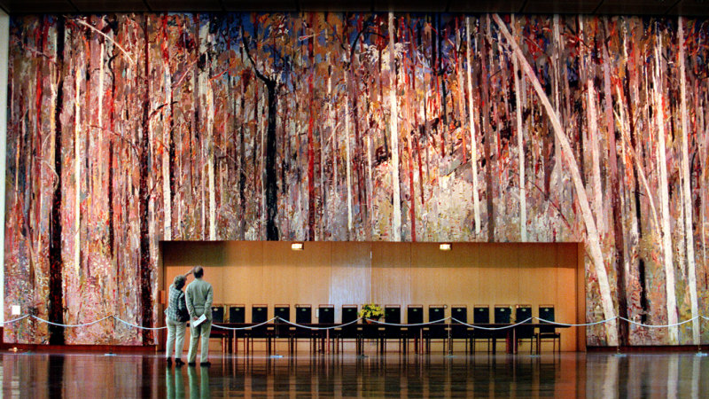 Where did the tapestry in the Great Hall of Parliament House go?