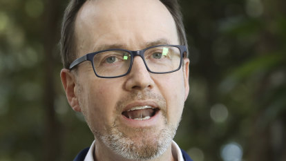 Greens, Labor demand funding for ICAC amid Parliament stoush