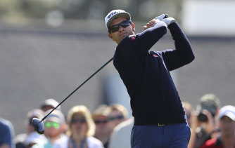 Adam Scott tees off on the first hole to begin his practice round for the 2018 Masters.