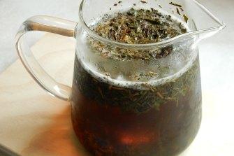 Mak.e a proper tea using a teapot