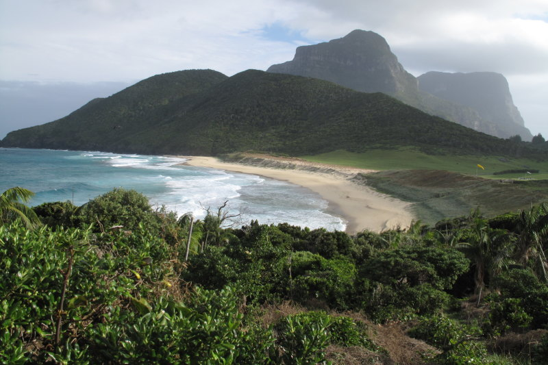 Tsunami warning for Lord Howe Island cancelled after earthquake