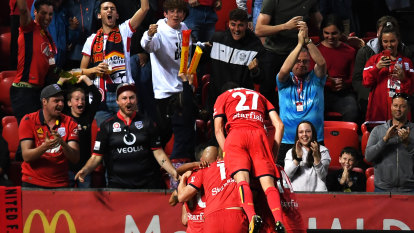 Adelaide United cruise to win over blue Victory