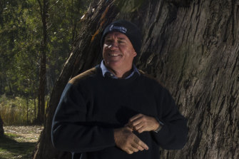 Chris Brooks, a former grains trader and chairman of the Southern Riverina Irrigators, plans to take on sitting Liberal National Party members in the Murray region over water.