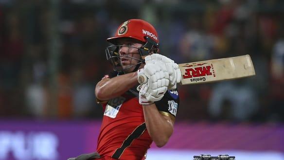 Big Bash battle: Sydney, Melbourne set to chase de Villiers