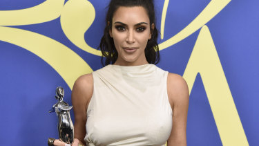 Kim Kardashian Shocked To Win Fashion Award When She S Naked Most Of The Time