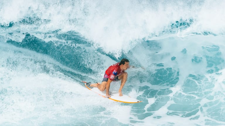 Julian Wilson is still in contention at the Pipe Masters.