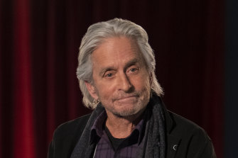 Sandy Kominsky (Michael Douglas) carries on without his sparring partner (played by Alan Arkin) in a new season of Chuck Lorre's entertaining sitcom.
