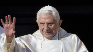 Ex-pope says sexual revolution led to abuse crisis, drawing ire 55b09e3b1a9b72ad004412a6813b8c543632f7d7