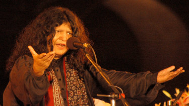 Pakistani singer Abida Parveen performs during the Sufi Music Festival at Old Fort, in 2007 in New Delhi.