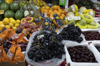 Sweet Sapphire grapes imported from Australia on sale at a market in eastern Beijing's Tongzhou District.