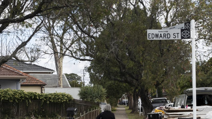 Sons inherited Sydney house, land under squatter's rights, court rules