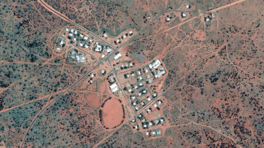 Getting qualified staff to the remote town of Docker River, NT, to care for Indigenous elders in an aged care facility was difficult and expensive. Retaining them? Very difficult, the commission on aged care heard.