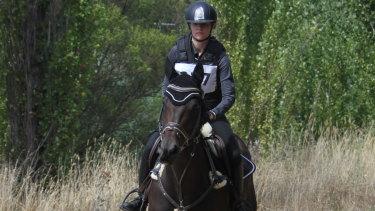 Hannah Klep is part of a world-class field taking on Olympic gold medallist Stuart Tinney.