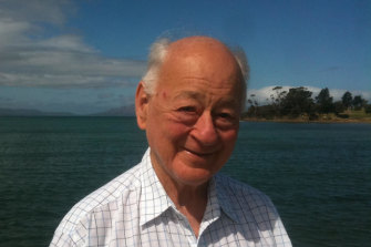 Putative 'Clancy of The Overflow' descendant Gerald Taylor, a globetrotter who spoke as many as 40 languages, died from COVID-19 in Paris on April 1.