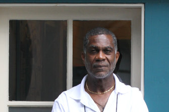 Michael Holding says if you support Black Lives Matter, you take a knee.