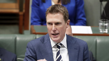 Christian Porter is weighing further concessions to secure crossbench support for his union bill.