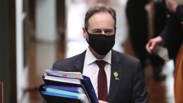 Federal Health Minister Greg Hunt has called for an easing of restrictions in Victoria.