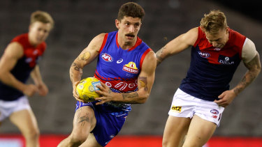 Tom Liberatore in action during the round 11 match between the Western Bulldogs and Melbourne at Marvel Stadium.