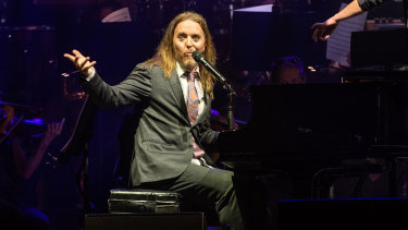 A comedian always, Minchin couldn't help himself once he got on stage.