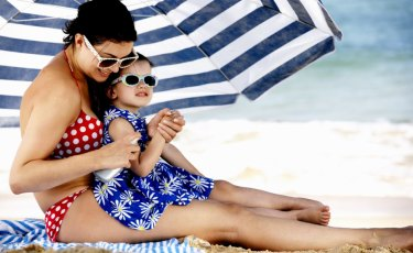 In sunny weather, most Australians tend to only open an umbrella at the beach.