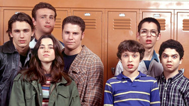The Freaks and Geeks cast (from left) James Franco, Jason Segal, Linda Cardellini, Seth Rogen, and John Francis Daley, Martin Starr and Sam Levine.
