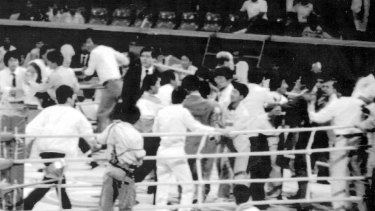 Chaos in the ring after South Korean Byun Jong-il lost his bantamweight bout to Alexandar Hristov of Bulgaria.