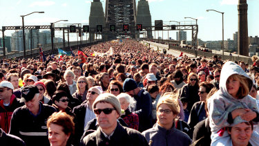 The march for reconciliation across the Sydney Harbour Bridge, Corroboree 2000, 28 May 2000.