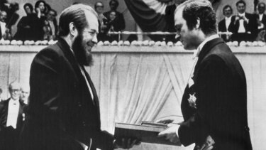 Four years later ... Sweden's King Carl Gustaf presents the 1970 Nobel prize in literature to Alexander Solzhenitsyn in December, 1974.