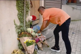 Mourners have left flowers at Ms Edwards' apartment in Tbilisi.