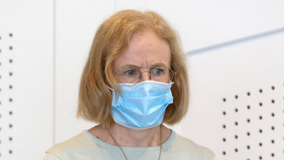 Authorities rely on goodwill for mask compliance outside Brisbane