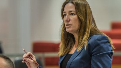 Minister orders investigation into Canberra school over violence
