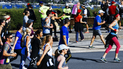 Pain and pleasures of City2Surf show Sydney at its finest