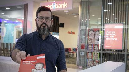 Shonky Awards handed to Medibank health insurance and AMP super 'lemons'