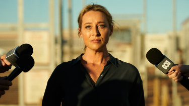 Asher Keddie stars as a Department of Immigration officer in Stateless.