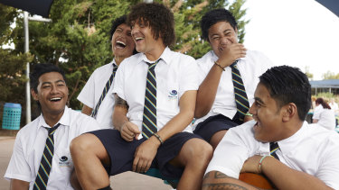Chris Lilley, centre, as Jonah.